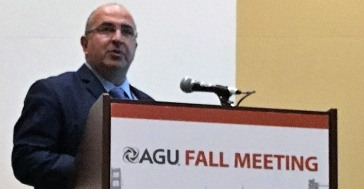 Dr. Nektarios Chrysoulakis presenting the URBANFLUXES project in AGU Fall Meeting 2016